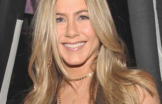 Jennifer-Aniston-Peoples-Choice-Awards-Jan-2011