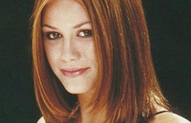 Medium length reddish hair