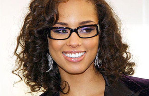 Alicia-Keys-glasses-2