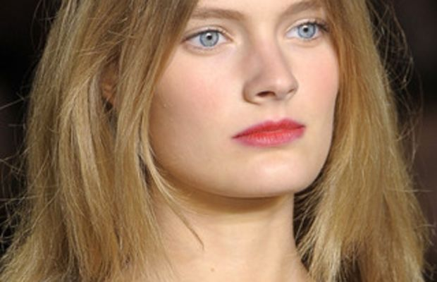 TOMMY-HILFIGER-SPRING-RTW-2011-BEAUTY-023_runway