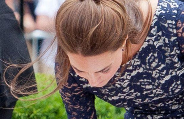 Kate-Middleton-Canada-2011-half-up-half-down-hair-2