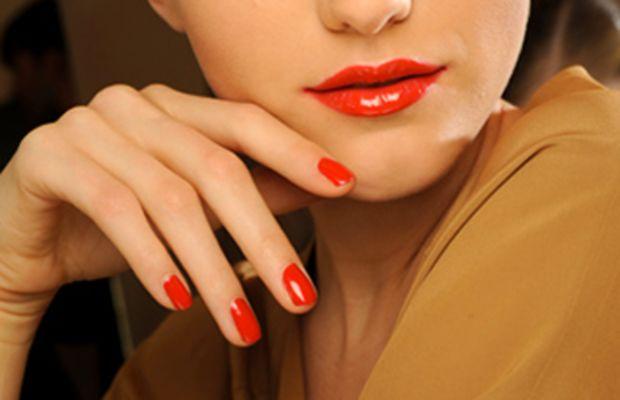 Gucci-SS-2011-makeup-2