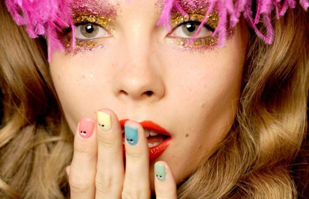 Giles Deacon 2010 makeup