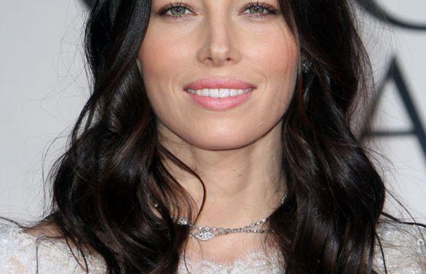 Golden-Globes-2012-Jessica-Biel