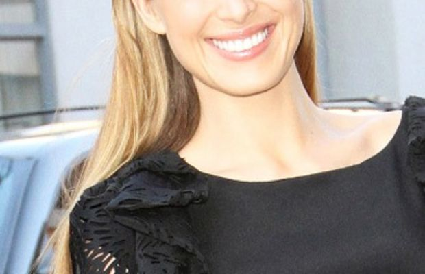 Petra-Nemcova-slicked-back-hair