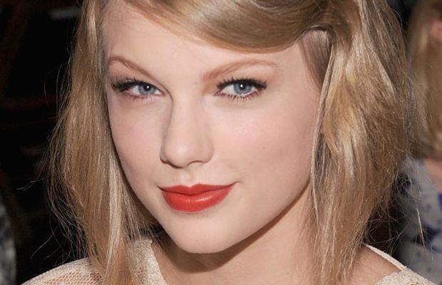 Taylor-Swift-at-Rodarte-Spring-2012