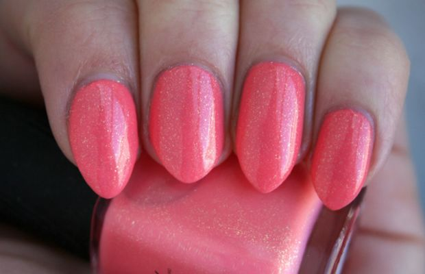Quo by Orly Pinchy Peach