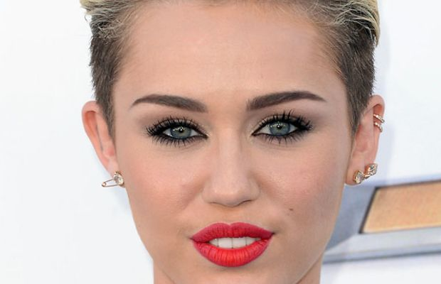 Miley Cyrus - Billboard Music Awards 2013