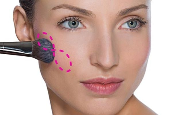 Make Up For Ever classic blush application