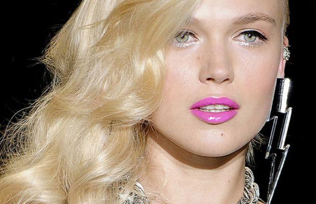 Betsey Johnson - Spring 2012 hair