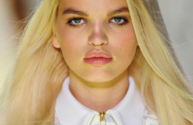 Versace-Spring-2012-beauty-4