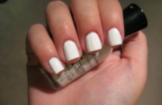 Blood splatter manicure - step 1