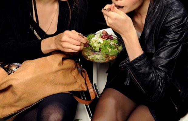 Dolce & Gabbana 2011 - models eating