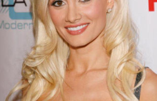 Holly-Madison-blonde