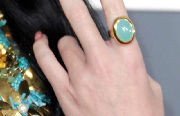 Katy Perry - Grammys 2013 nails - close-up