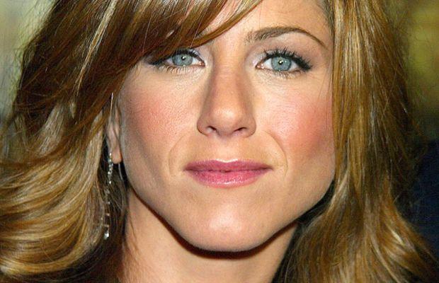 Jennifer Aniston pear face bangs