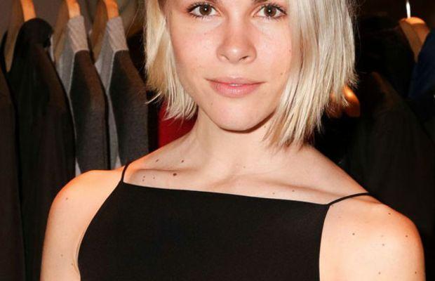 Emily Weiss platinum blonde hair