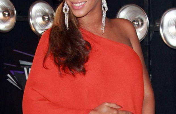 Beyonce-MTV-Music-Video-Awards-2011