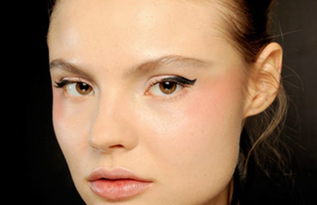 Chanel-SS11-Couture-makeup-2