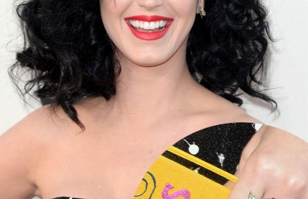 Katy Perry polka dot nails (1)