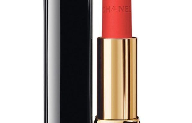 Chanel Rouge Allure Velvet Luminous Matte Lip Colour in 43 La Favorite