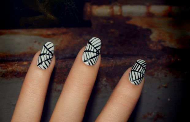 How To Paint Your Nails Like Spider Webs For Halloween