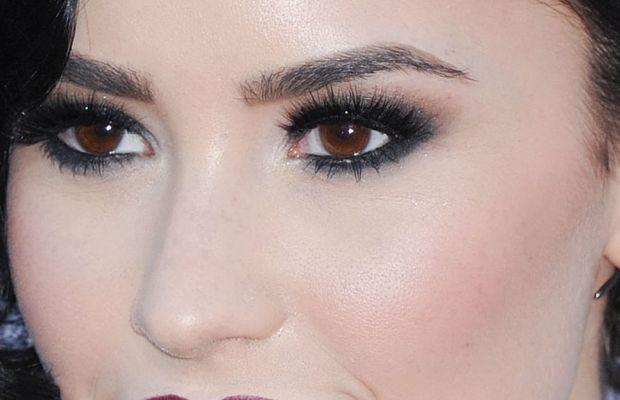 Demi Lovato, American Music Awards 2015
