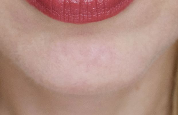 NARS Banned Red (swatch)