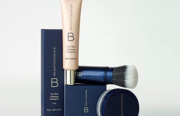 Beautycounter Tint Skin, Retractable Brush, and Mattifying Skin Finishing Powder