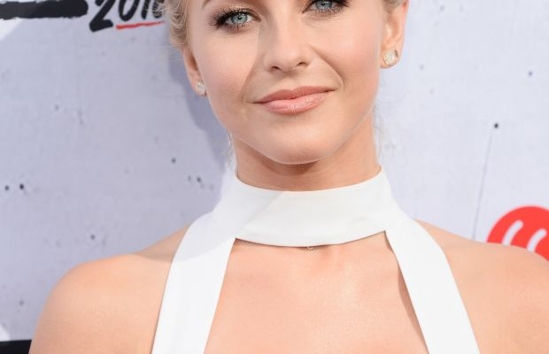 Julianne Hough, iHeartRadio Music Awards 2016