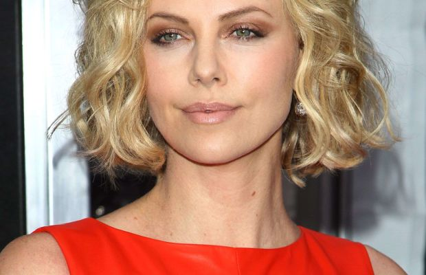 Charlize Theron, Young Adult New York premiere, 2011