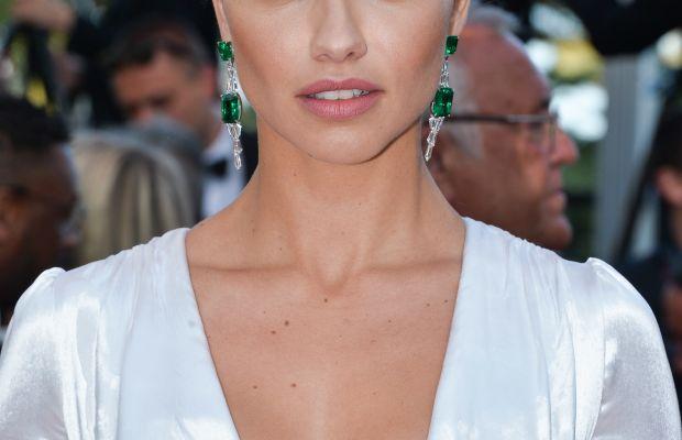 Adriana Lima, Julieta Cannes premiere, 2016