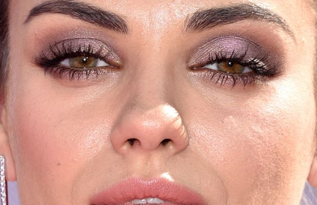 Mila Kunis, Billboard Music Awards 2016