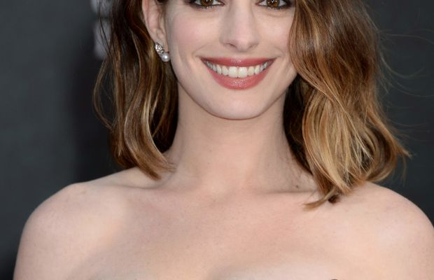 Anne Hathaway, Alice Through the Looking Glass premiere, 2016