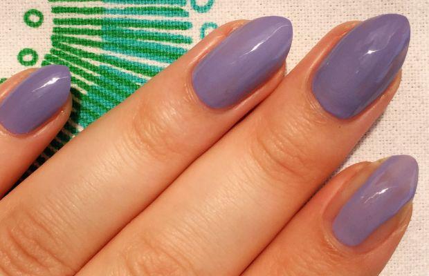 How to apply nail polish (2)