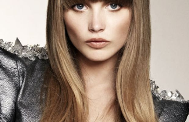 Thick rounded bangs