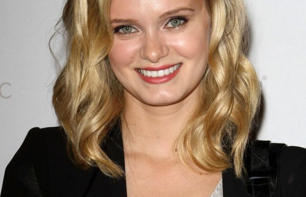 Sara Paxton, Google Music launch party, 2011