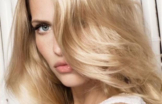 Highlighted blonde waves