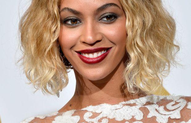 Beyonce medium curly hair