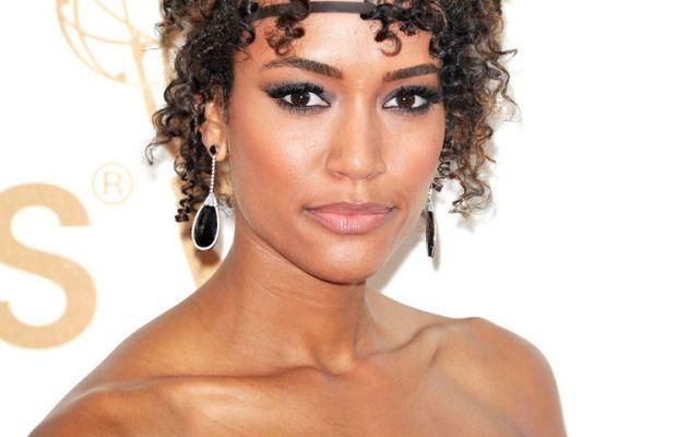 Annie Ilonzeh medium curly hair