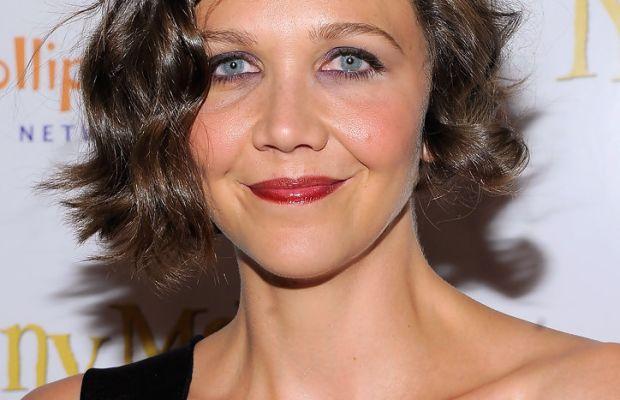 Maggie Gyllenhaal medium curly hair