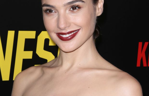 Gal Gadot, Keeping Up with the Joneses premiere, 2016