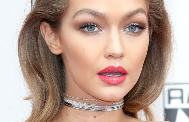 Gigi Hadid, American Music Awards 2016