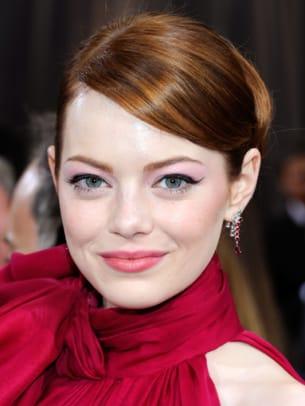 Emma-Stone-Oscars-2012-383x510