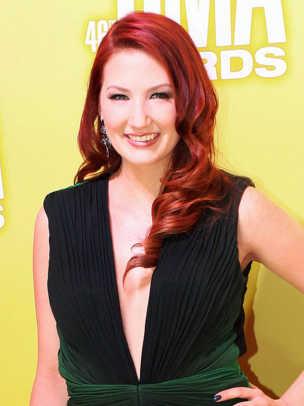 Katie-Armiger-CMA-Awards-2012