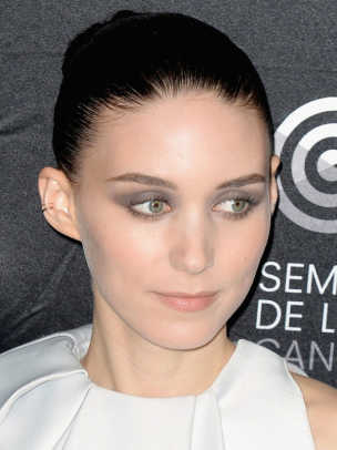 Rooney-Mara-Aint-Them-Bodies-Saints-photocall-Cannes-2013