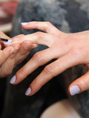 Lisa-Perry-Fall-2013-nails-look-2