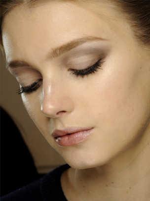 Valentino-Fall-2012-beauty