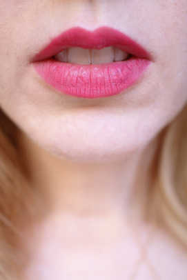 Maybelline Color Sensational Shaping Lip Liner in Pink Coral swatch
