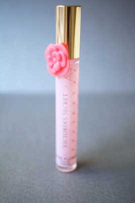 Victoria's Secret Tease Flower Rollerball (1)